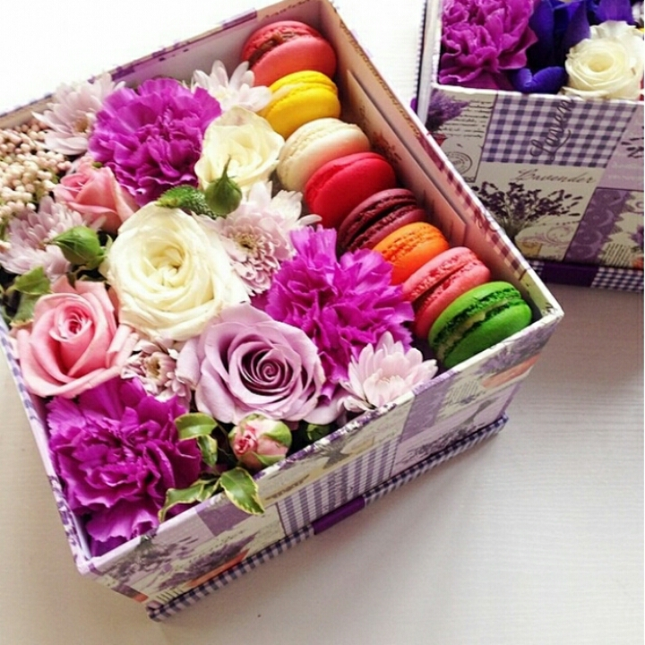 Как сделать живые цветы в коробке своими